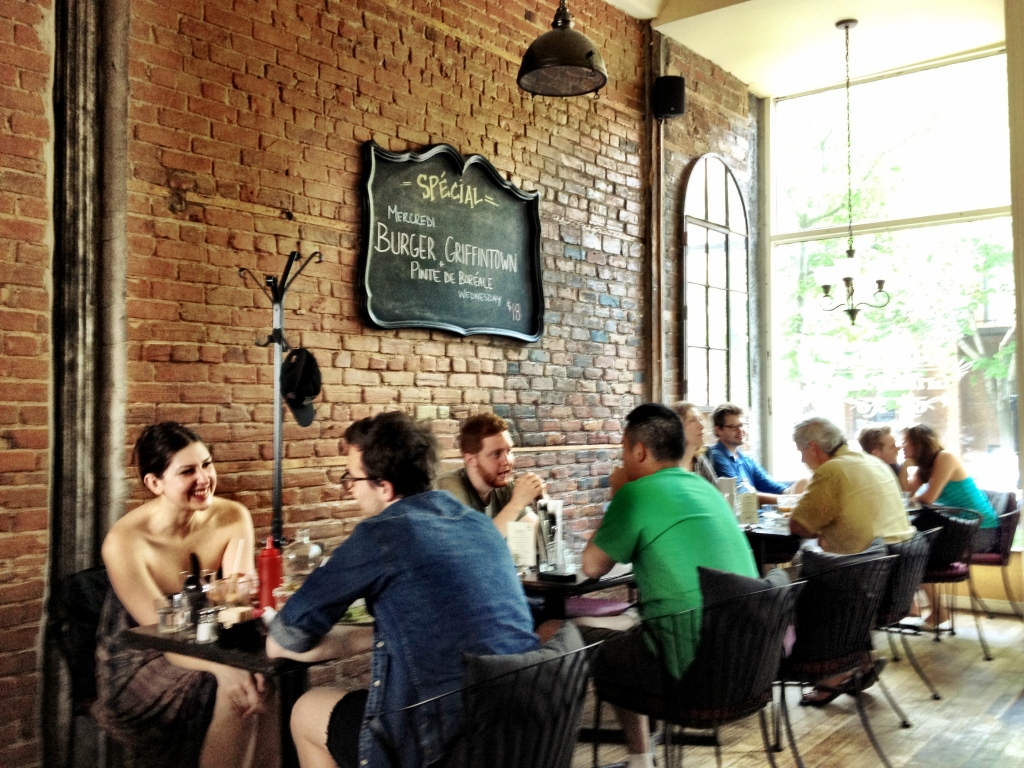 Griffintown Cafe has a pleasant laid-back atmosphere: high ceilings and red brick walls.