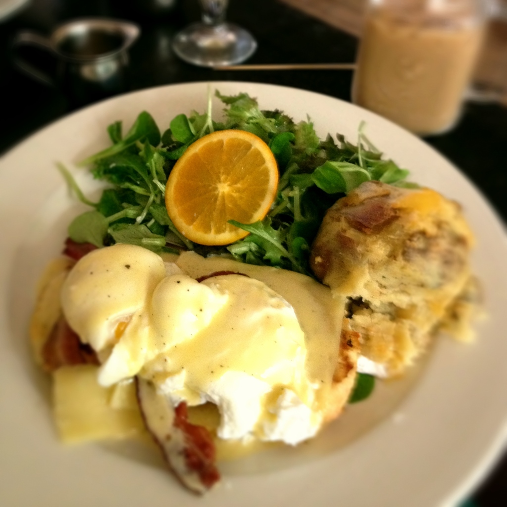 Griffintown Cafe egg benedict
