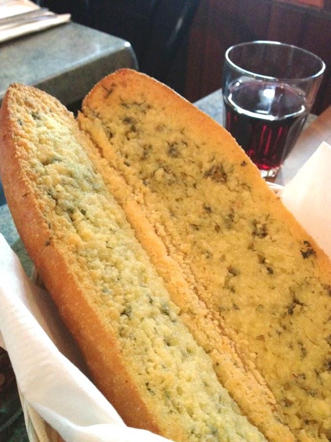 garlic bread at Amelio's
