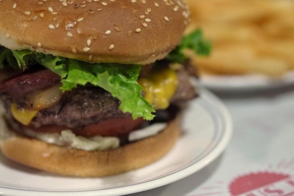 Tous Les Jours' Prime Burger: juicy and HUGE!